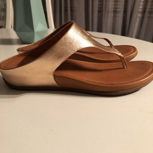 f8c3d9ed9 Fitflop Shoes - Fitflop rose gold size 7 ladies sandals